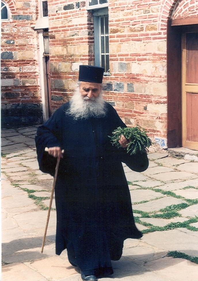 Ο Γέροντας Ιωσήφ ήταν λιτοδίαιτος, συνήθως έτρωγε χόρτα τα οποία τα μάζευε ο ίδιος