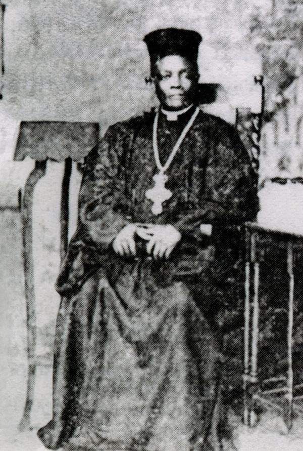Askofu mweusi wa kwanza,alikuwa mtafutadji la Imani Lakunyoloka,alipata kipawa la kipadiri na jina Rouvim mwaka 1933,mwisho akakuwa Askofu Nilopoli  Sebanza Mukasa Spartas Kristoforo (1899-1982).Alikuwa Muuganda