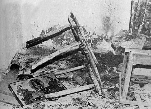 Βανδαλισμοί σε εκκλησίες από τους Τουρκους 1974