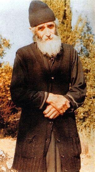 Ο Γέροντας Παϊσιος. Φωτογραφία παρμένη από τον βατοπαιδινό μοναχό Νήφωνα.