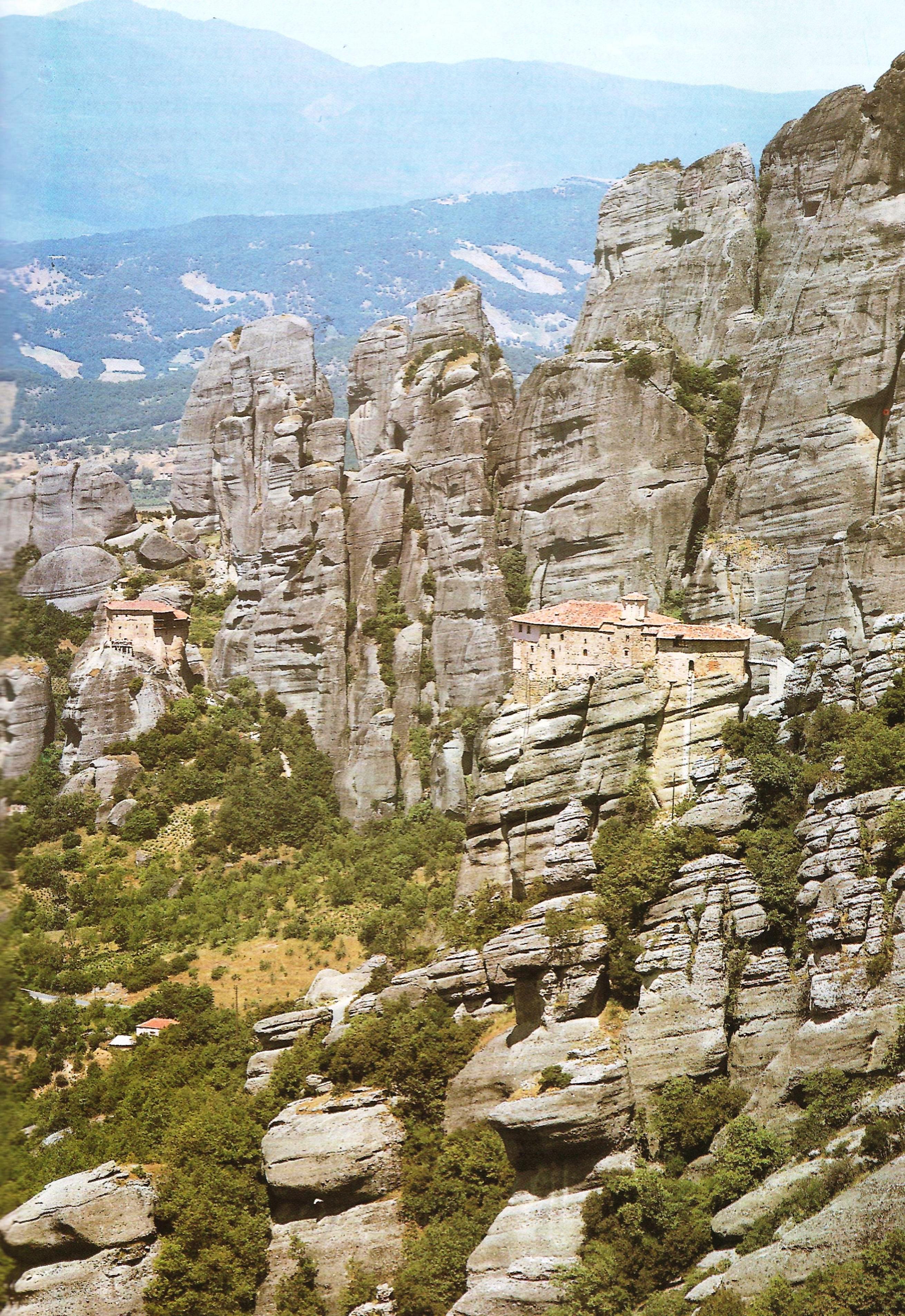 Οι ιερές μονές Ρουσάνου και Αγίου Νικολάου Αναπαυσά.