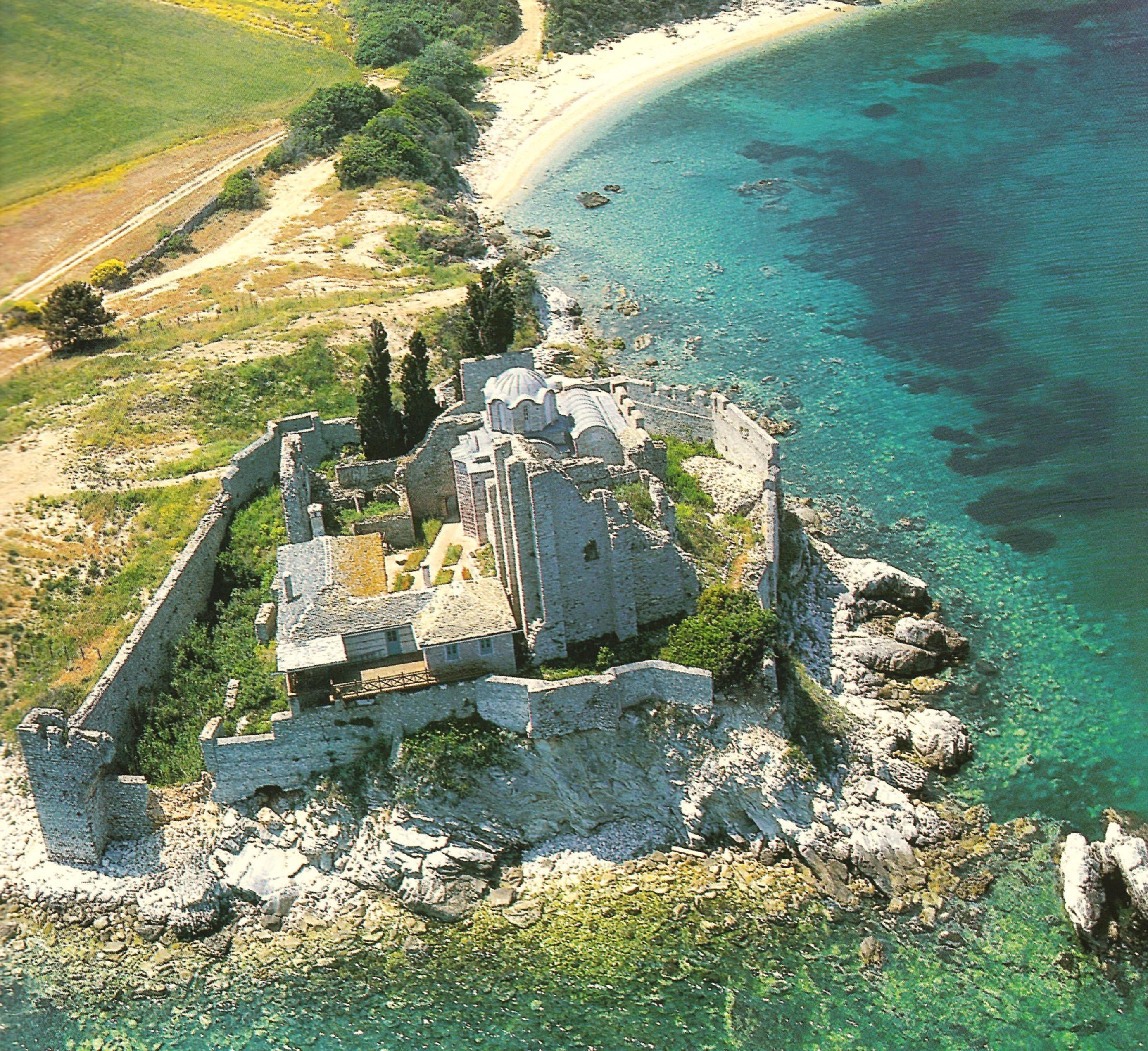 Το Χιλιανδαρινό μονύδριο του Αγίου Βασιλείου. The cell of St Basil, a dependency of Chilandari.