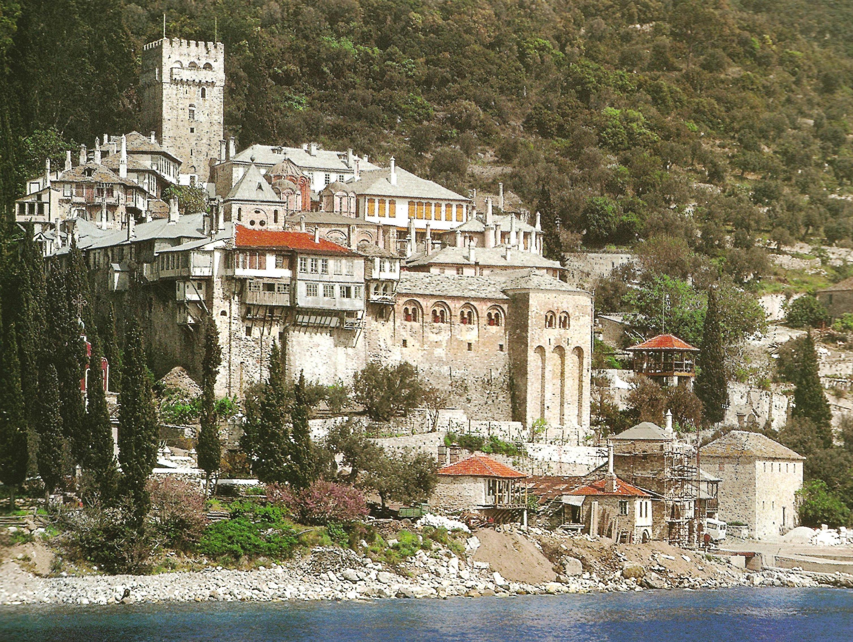 Η Ιερά Μονή Δοχειαρίου. Εξωτερική άποψη. Holy Monastery of Docheiariou. External view.