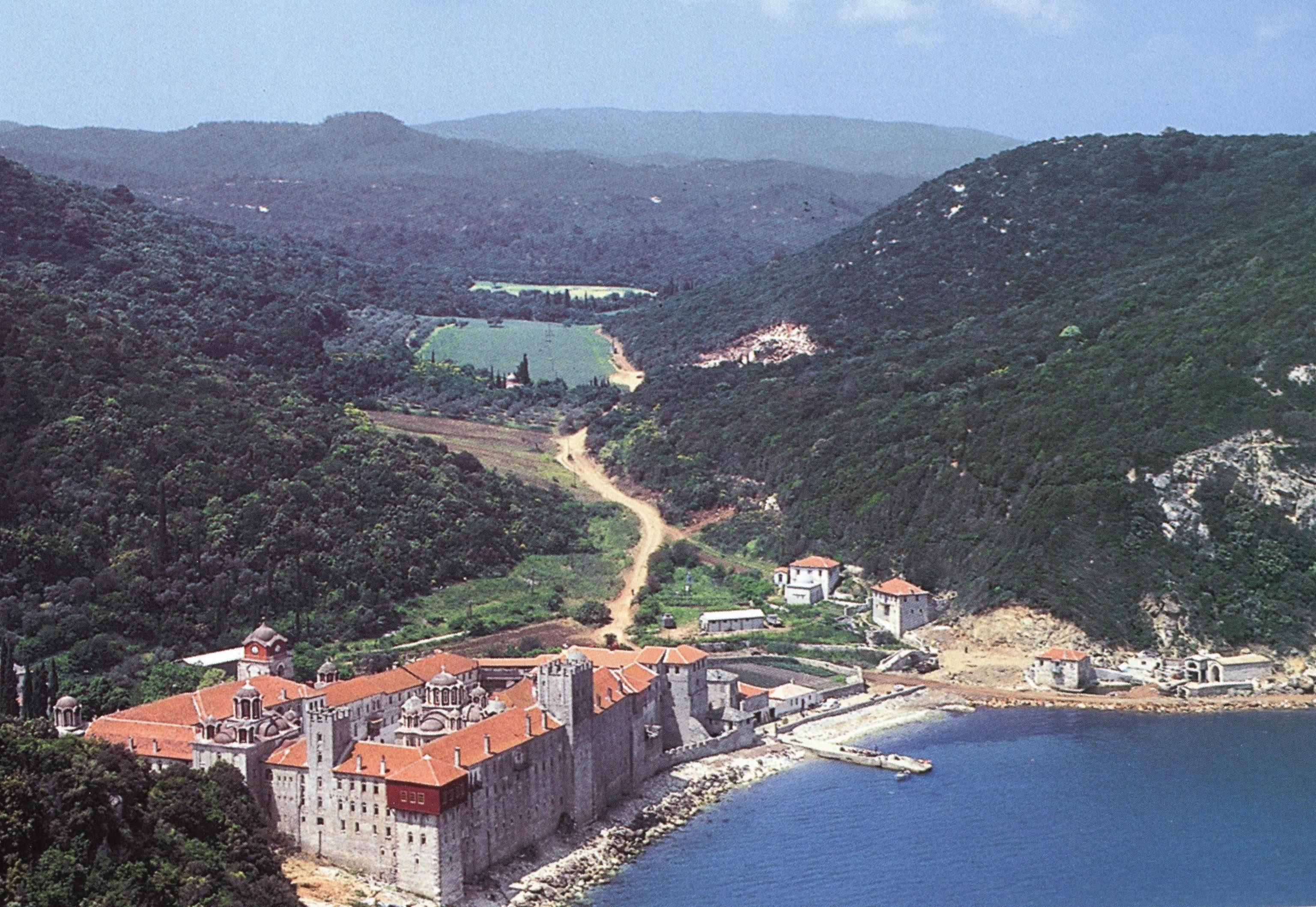 Η Ιερά Μονή Εσφιγμένου. Εξωτερική άποψη. Holy Monastery of Esphigmenou. External view.