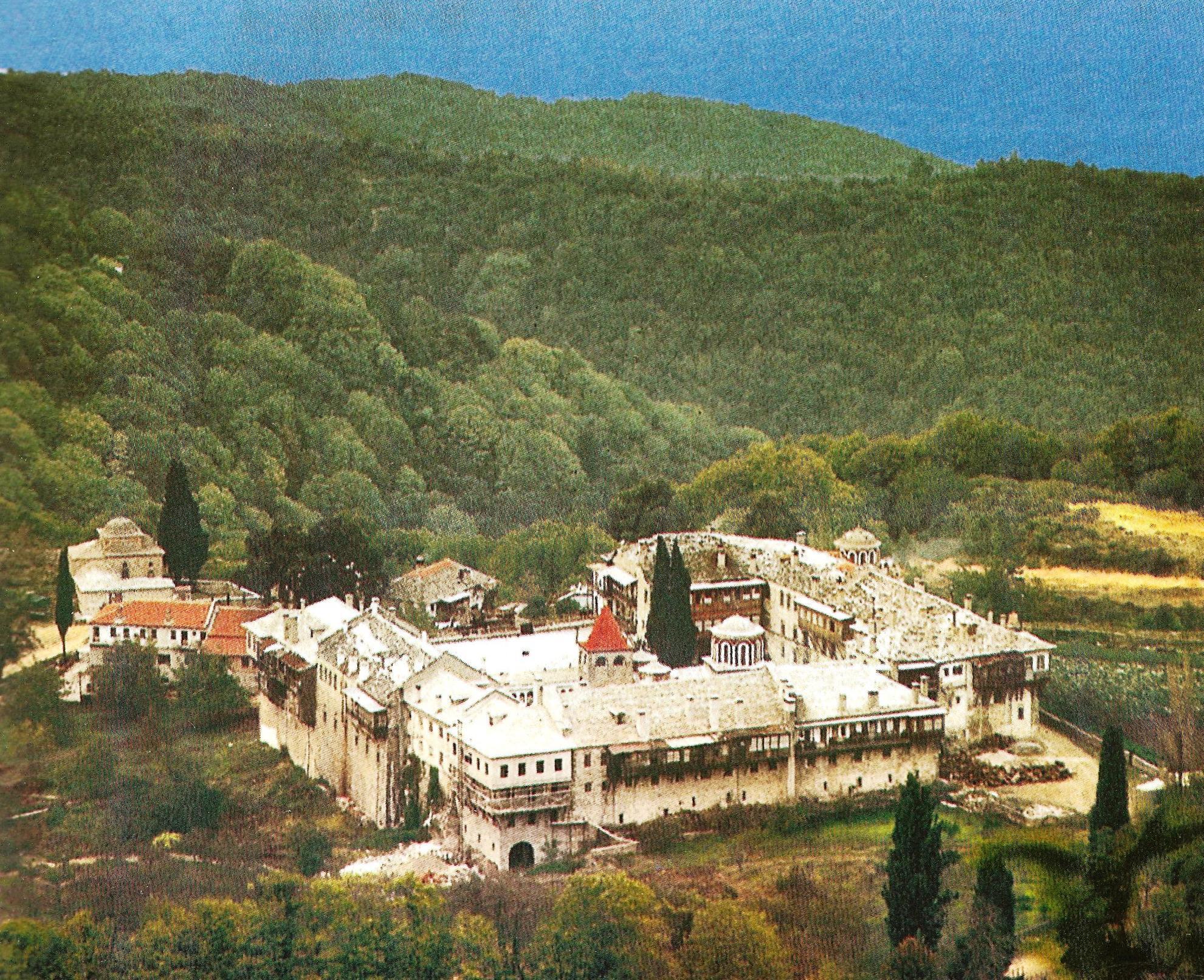 Η Ιερά Μονή Καρακάλλου. Πανοραμική εξωτερική άποψη. Holy Monastery of Filotheou. A panorama view.