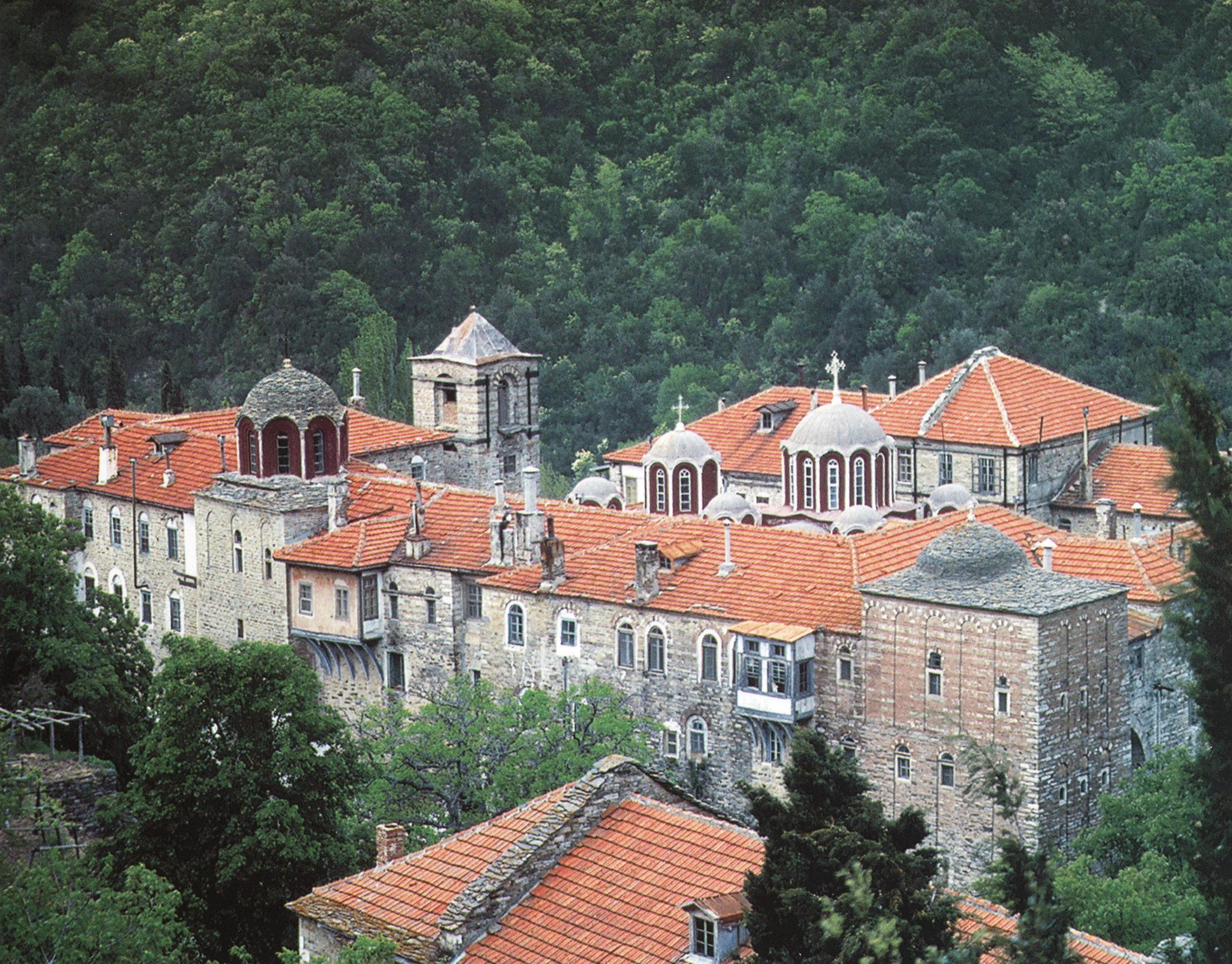 Ιερα Μονή Κωσταμονίτου. Εξωτερική άποψη. Holy Monastery of Kostamonitou. External view.