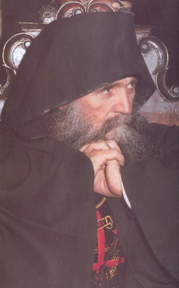 Ο Γέροντας Εφραίμ, Προηγούμενος της Ιεράς Μονής Φιλοθέου