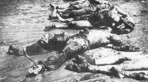 Πτώματα πολλών δολοφονηθέντων Σέρβων από τους Κροάτες ούστασι στο στρατόπεδο Γιασένοβατς, που ρίχνονταν στον ποταμό Σάβα και τα πτώματα συσσωρεύονταν στις όχθες του ποταμού