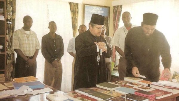 Εργασίες  των συνεργατών στο Ορθόδοξο Τυπογραφείο  και Μεταφραστικό Κέντρο της ιεραποστολής στο Μαλάουϊ.