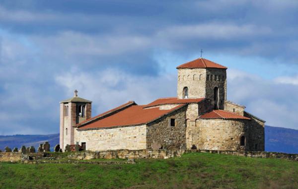Ναός Αγίων Πέτρου και Παύλου, 10ος αι,, εξωτερική άποψη από Ν.Α.