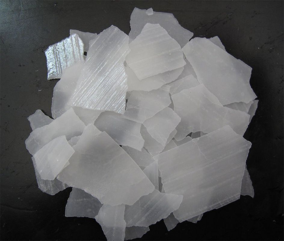 pl555770-caustic_soda_naoh_white_flakes_99_for_paper_making_cas_1310_73_2