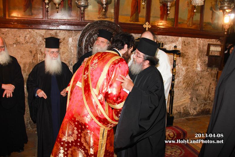 Οἱ Πατέρες συγχαίρουν τόν διάκονον Εὐλόγιον.