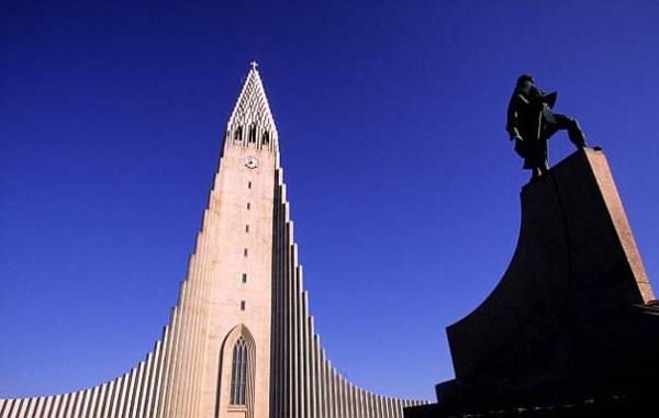Iceland - Travel - The Land of Ice and Fire - Hallgrimskirkja Church