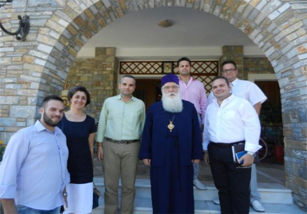 Ο Σεβ. Μητροπολίτης Δημητριάδος και Αλμυρού με το διοικητικό Συμβούλιο του Συνδέσμου Ιεροψαλτών Βόλου ανάμεσά τους και ο κ. Ευστάθιος Γραμμένος