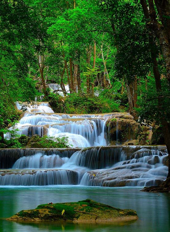 10. Erawan Waterfall, Ταϊλάνδη
