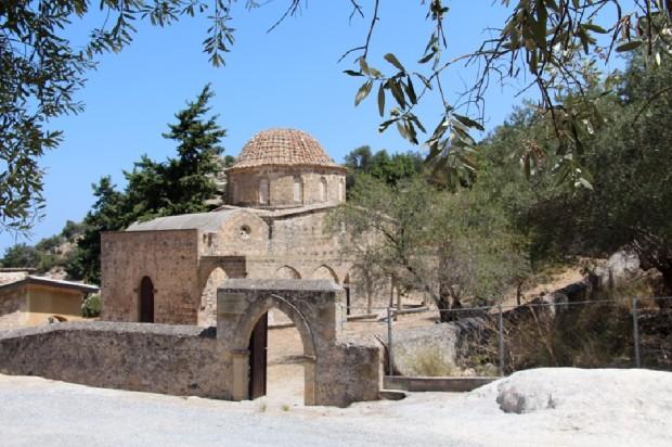 Ο  ναός της Ιεράς Μονής Χριστού του Αντιφωνητή