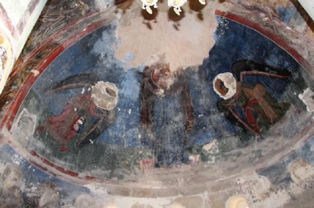 Δεομένη Θεοτὀκος, τοιχογραφία στην αψίδα του Ιερού Βήματος (Ναός Χριστού του Αντιφωνητή)
