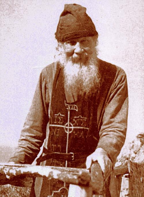 http://www.diakonima.gr/wp-content/uploads/2013/09/geron-theodosios-karouliotis-14.jpg