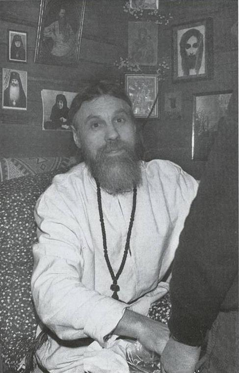 Ο π. Βιτάλιος στην Λαύρα του Αγίου Σεργίου του Ραντονέζ, στην πόλη Σέργκιεφ Ποσάτ