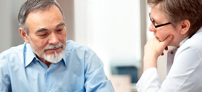 Ο ογκολόγος James C. Salwitz, διηγείται την εμπειρία του σχετικά με τον τρόπο που αποκαλύπτουμε στον ασθενή τα κακά νέα για την υγεία του.