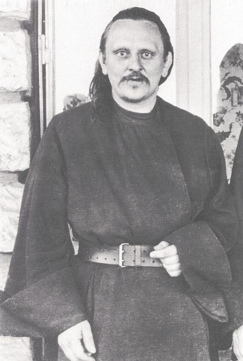 Le Père Serge Chévitch. Le novice Georges (le futur Père Grégoire) Krug.