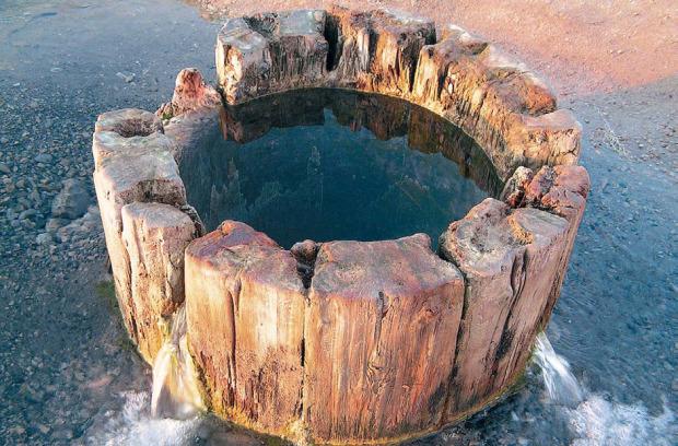 Οι δεξαμενές άλατος Ουσόλσκι βρίσκονται κοντά στην πόλη Σολικάμσκ, όπου από τον 15ο αιώνα γίνεται εξόρυξη αλατιού. Από όλα τα φρεάτια που κατασκευάστηκαν στην εποχή της τσαρικής Ρωσίας, έχει παραμείνει μόνο η γεώτρηση Λιουντμίλσκαγια, η οποία σκάφτηκε το 1906. Τα πρώτα ίχνη του καλίου στη Ρωσία ανακαλύφθηκαν στις αρχές του 20ού αιώνα σε αυτή την περιοχή, σε μια άλλη γεώτρηση. Φωτο:Lori / Legion Media