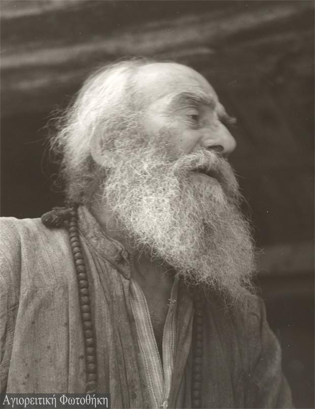 Αββακούμ μοναχός Λαυριώτης (1894-1978) (Φωτογραφία: Τάκης Τλούπας, 1969) http://athosprosopography.blogspot.gr
