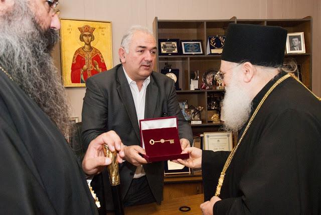 Δήμαρχος Κατερίνης Σάββας Χιονίδης- «Σας θεωρούμε δικούς μας ανθρώπους - Για πρώτη φορά δίδουμε το κλειδί της πόλης»06