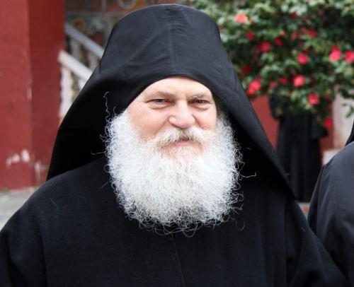 Ο Ηγούμενος της Μονής Βατοπαιδίου στη Λάρισα