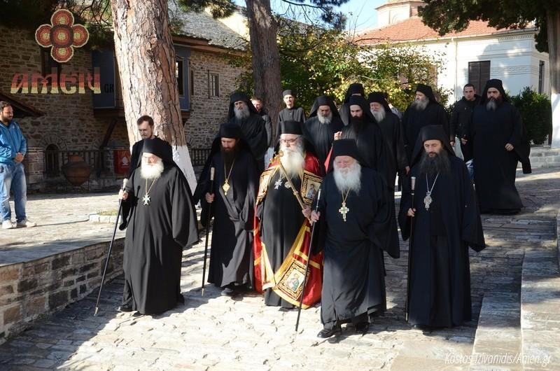 Φωτογραφίες και βίντεο από τη σημερινή πανήγυρη στην Ιερά Μονή Ξενοφώντος Αγίου Όρους30