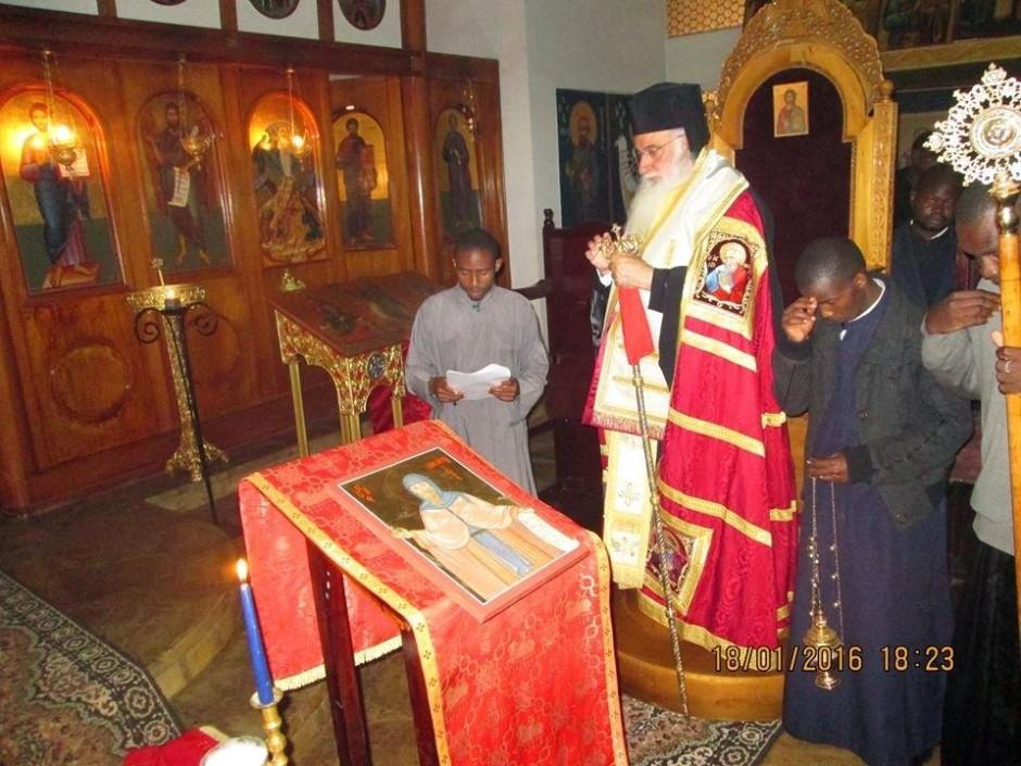 Κατανύκτικος εσπερινός και αρτοκλασία στον ιερό ναό του Αγίου Μακαρίου της Πατριαρχικής Σχολής στο Ναϊρόμπι01