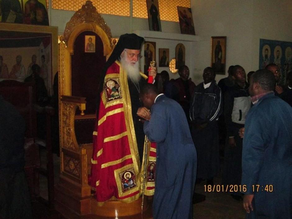 Κατανύκτικος εσπερινός και αρτοκλασία στον ιερό ναό του Αγίου Μακαρίου της Πατριαρχικής Σχολής στο Ναϊρόμπι06