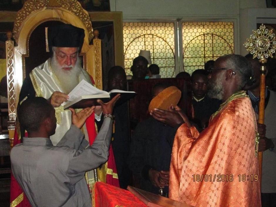 Κατανύκτικος εσπερινός και αρτοκλασία στον ιερό ναό του Αγίου Μακαρίου της Πατριαρχικής Σχολής στο Ναϊρόμπι07