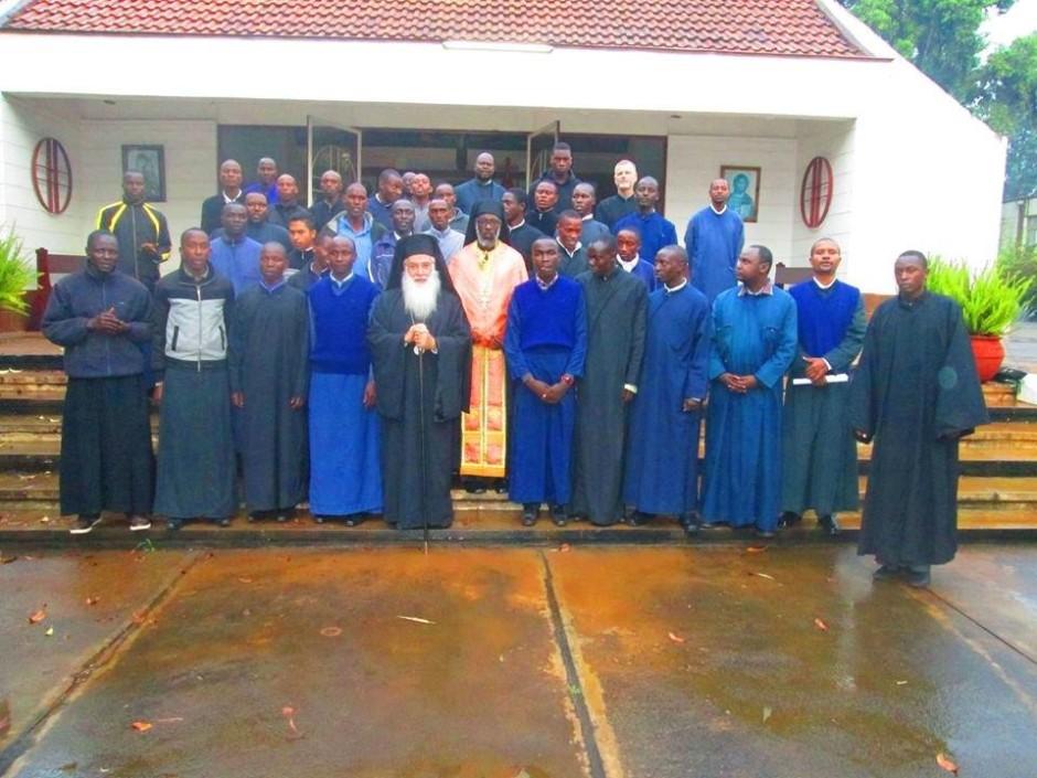 Κατανύκτικος εσπερινός και αρτοκλασία στον ιερό ναό του Αγίου Μακαρίου της Πατριαρχικής Σχολής στο Ναϊρόμπι10
