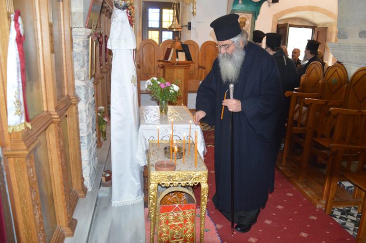 Τρισάγιο στον τάφο του Γέροντος Ευμενίου και το δώρο του οσίου Νικηφόρου του Λεπρού.JPG06
