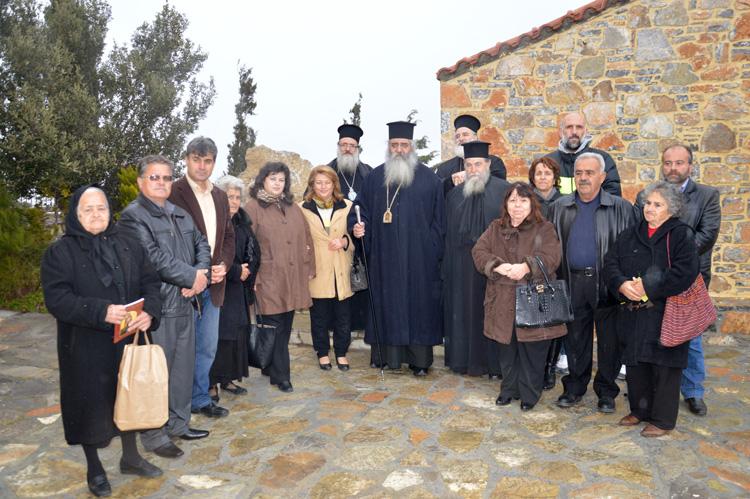 Τρισάγιο στον τάφο του Γέροντος Ευμενίου και το δώρο του οσίου Νικηφόρου του Λεπρού.JPG11