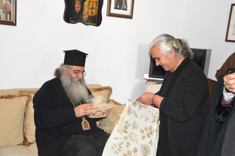 Τρισάγιο στον τάφο του Γέροντος Ευμενίου και το δώρο του οσίου Νικηφόρου του Λεπρού.JPG12