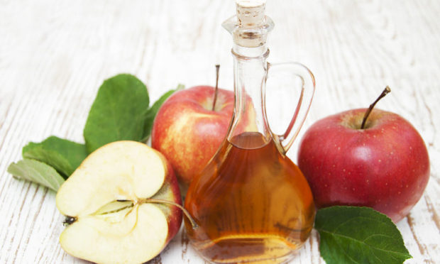bigstock-apple-cider-vinegar-68822344