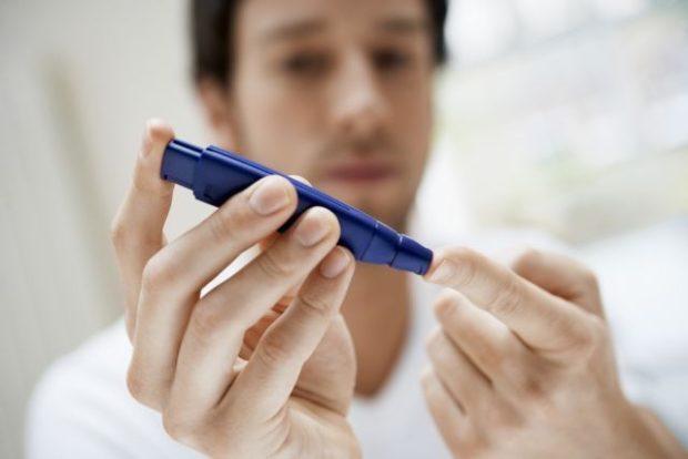 Diabetes - Metrisi aima daktylo antras