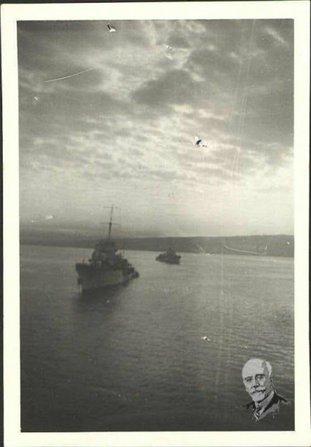 Το «Κουντουριώτης» φτάνει στο λιμάνι των Χανίων με τη σορό του Βενιζέλου