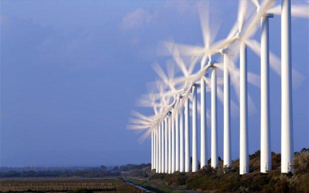 Τα έργα ανανεώσιμων πηγών στη Γερμανία έχουν αναπτυχθεί ιδιαίτερα κατά τα τελευταία χρόνια, προωθούμενα από τις κυβερνητικές επιδοτήσεις που έχουν σχεδιαστεί για τη μείωση του κόστους, τη μείωση της εξάρτησης από τα ορυκτά καύσιμα, και τη μετάβαση μακριά από την πυρηνική ενέργεια.