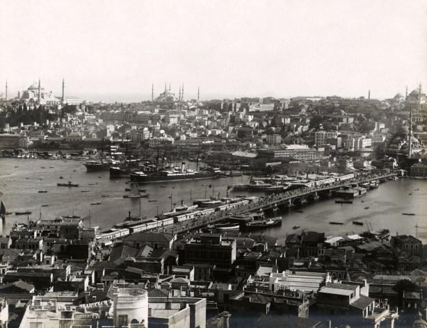 Γέφυρα, Κεράτιος Κόλπος, Κωνσταντινούπολη (Από τη Βιβλιοθήκη ΑΠΘ)