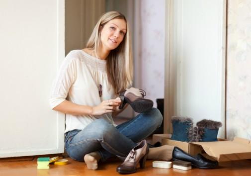 Αρχικά ξεκαθαρίστε τα παπούτσια σας.